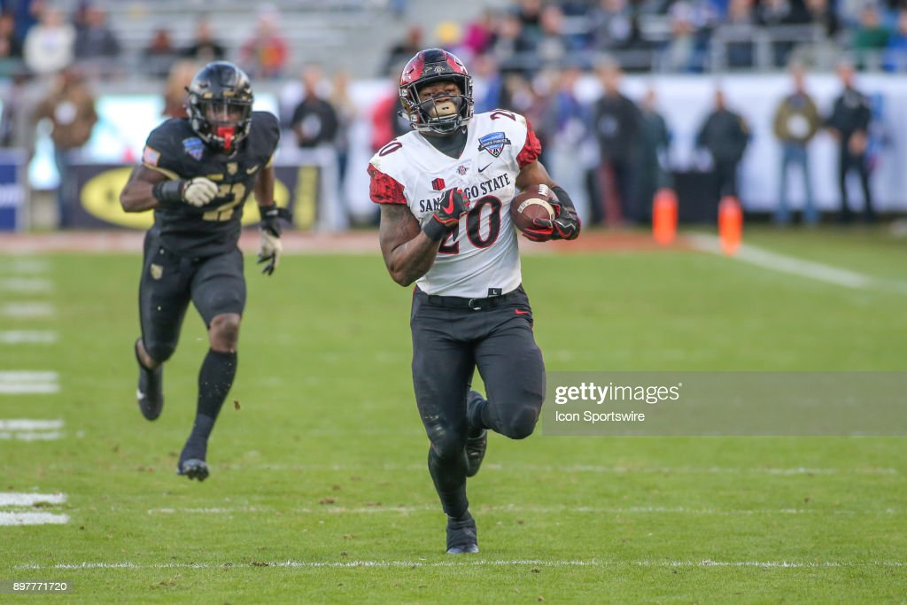 COLLEGE FOOTBALL: DEC 23 Armed Forces Bowl - San Diego State v Army : News Photo