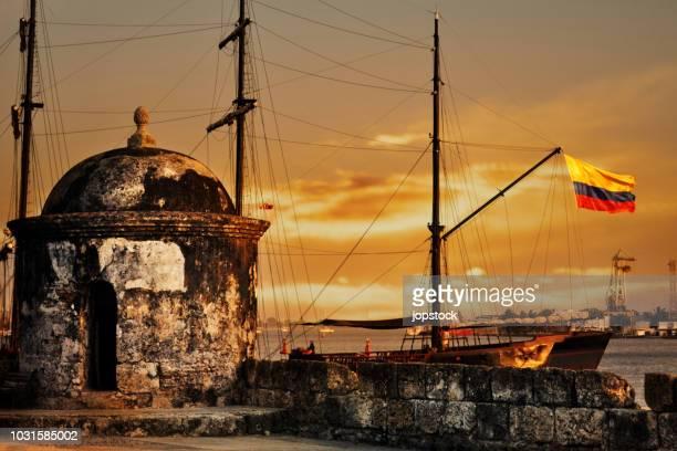 san felipe fortress in cartagena - cartagena colombia fotografías e imágenes de stock