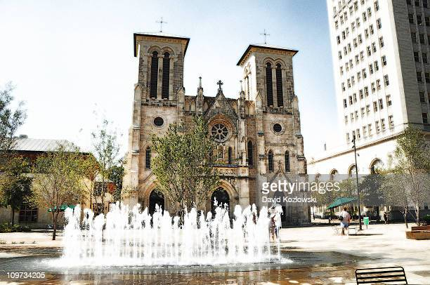 san fernando cathedral, san antonio, texas - san antonio stock photos and pictures