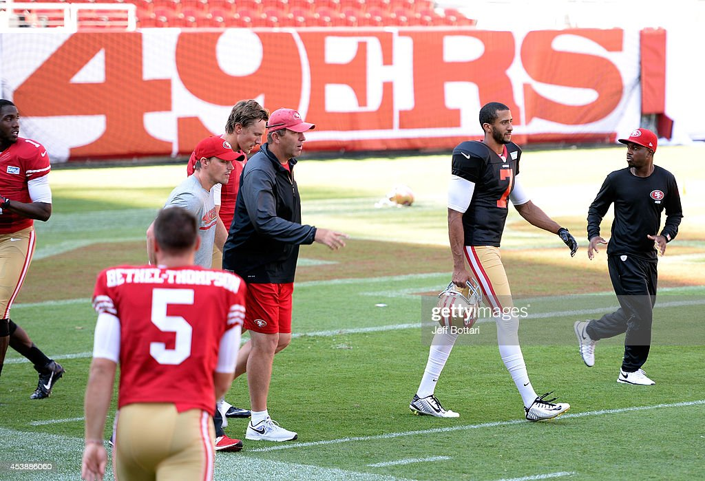 Ufc fighters meet san francisco 49ers players photos and images san francisco 49ers quarterback colin kaepernick r walks back to mid field during m4hsunfo