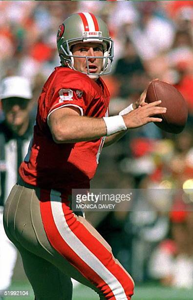 San Francisco 49ers quarterback Steve Young drops back to pass during the second quarter of San Francisco's 01 October game against the New York...