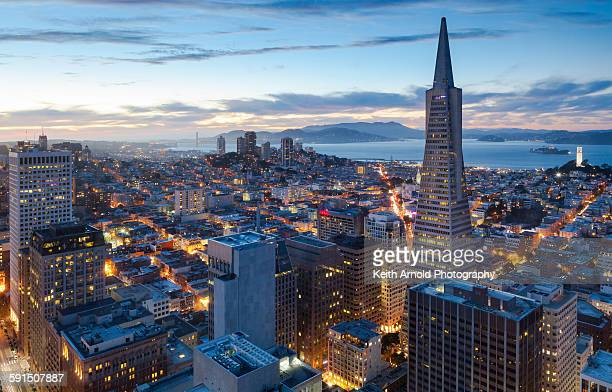 san francisco at sunset - san francisco fotografías e imágenes de stock