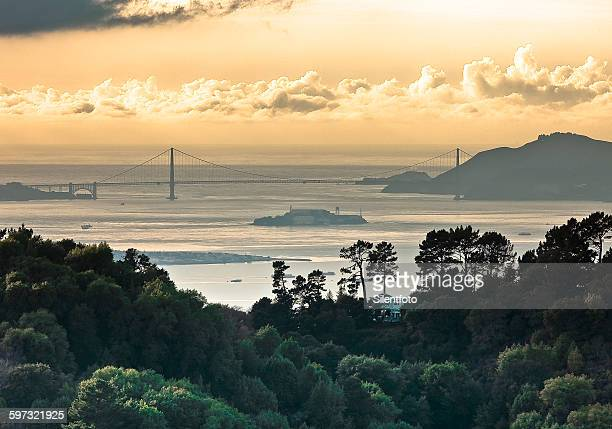 san francisco bay from behind east bay hills - east bay regional park stock pictures, royalty-free photos & images