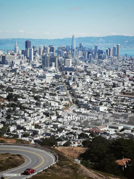 vista de san francisco, california, estados unidos de twin peaks en punto de la navidad - san francisco california fotografías e imágenes de stock
