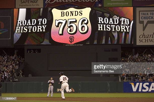 San Francisco Giants' Barry Bonds rounds the bases after hitting home run number 756 in the fifth inning against the Washington Nationals at ATT Park...