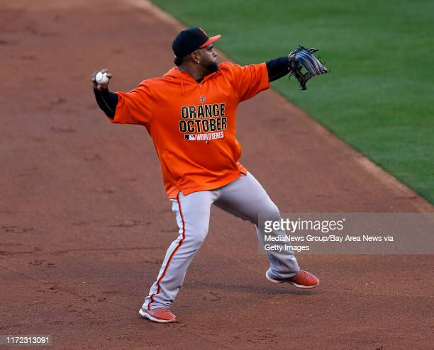 San Francisco Giants' Pablo Sandoval throws during practice at Kauffman Stadium in Kansas City Mo on Monday Oct 20 2014 San Francisco Giants play the...