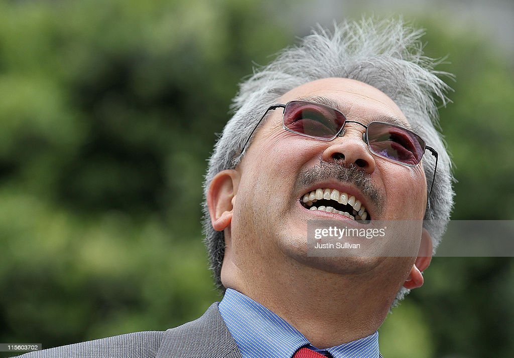 "San Francisco Mayor Ed Lee Attends ""Topping Off"" Of City's Public Utility Commission's New HQ"