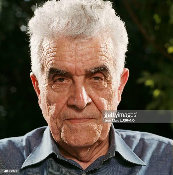 René GIRARD philosophe et historien français et professeur à l'université de Sanford 20030600