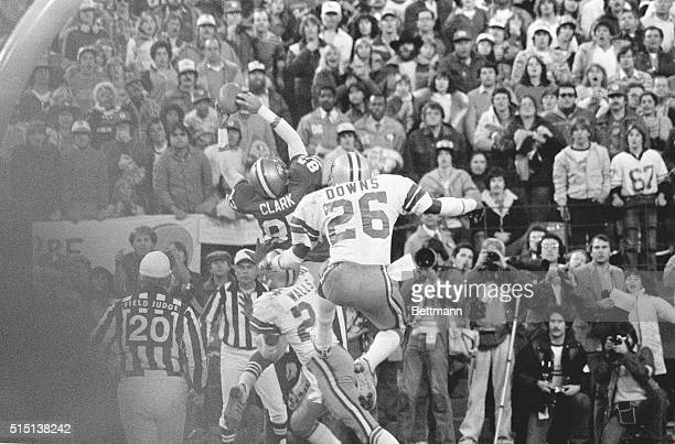 San Francisco 49ers Dwight Clark goes high in the end zone for the game tying touchdown pass from QB Joe Montana to set up the PAT that beat the...