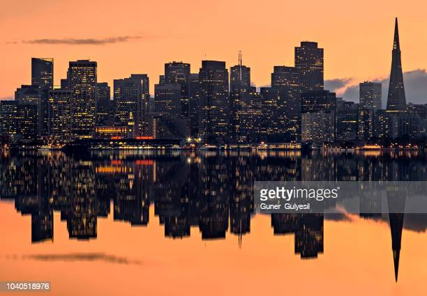 san francisco skyline at sunset - oakland california skyline stock pictures, royalty-free photos & images