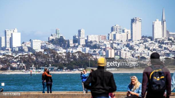 """san francisco view from torpedo wharf - """"peeter viisimaa"""" or peeterv stock pictures, royalty-free photos & images"""