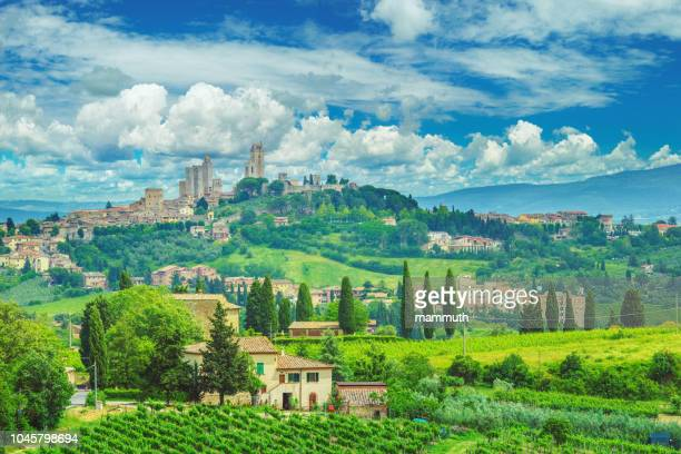 san gimignano in tuscany and the italian countryside - siena italy stock pictures, royalty-free photos & images