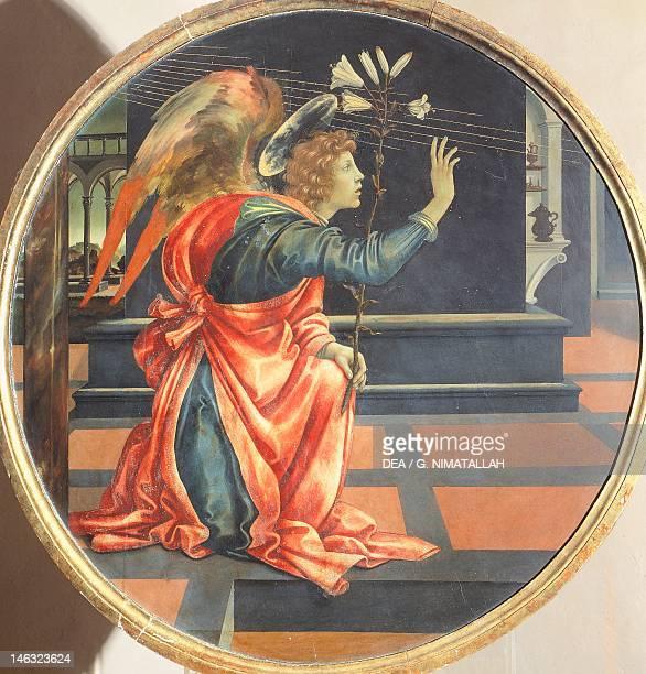 San Gimignano Museo Civico Annunciation 14831484 by Filippino Lippi oil on oak table diameter 110 cm