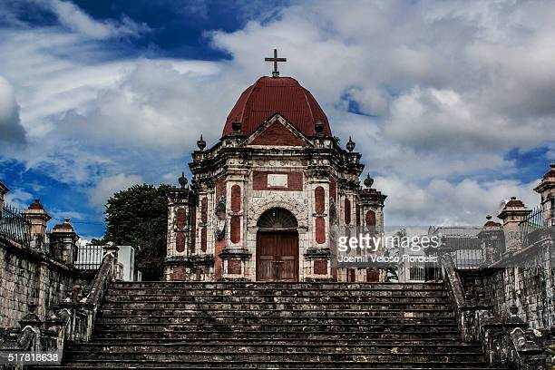 san joaquin cemetery, iloilo, philippines - joemill flordelis stock pictures, royalty-free photos & images