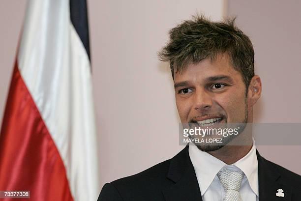 El cantante portorriqueno Ricky Martin ofrece un discurso el 20 de febrero de 2007 en la Casa Presidencial, al este de San Jose. Alli el artista...