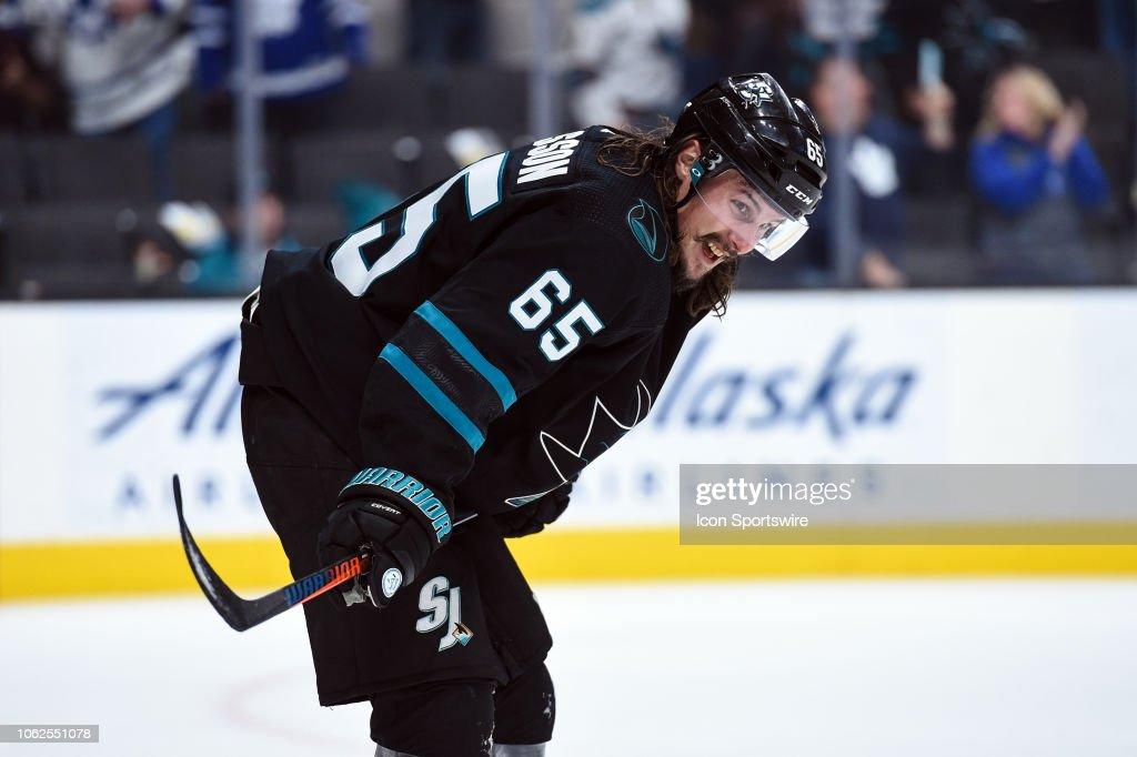 NHL: NOV 15 Maple Leafs at Sharks : News Photo