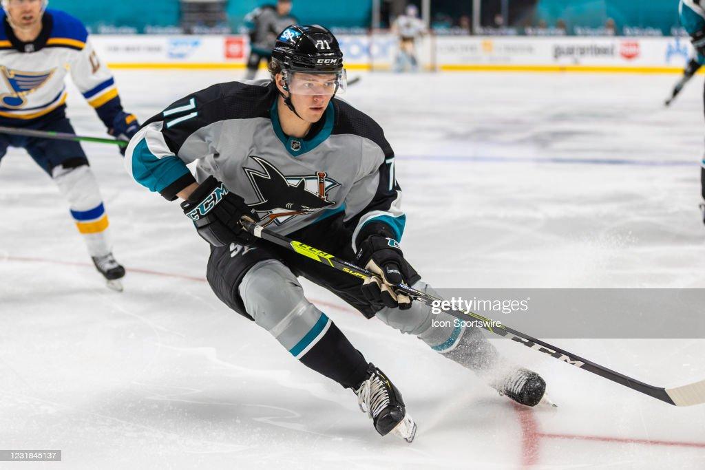 NHL: MAR 20 Blues at Sharks : News Photo