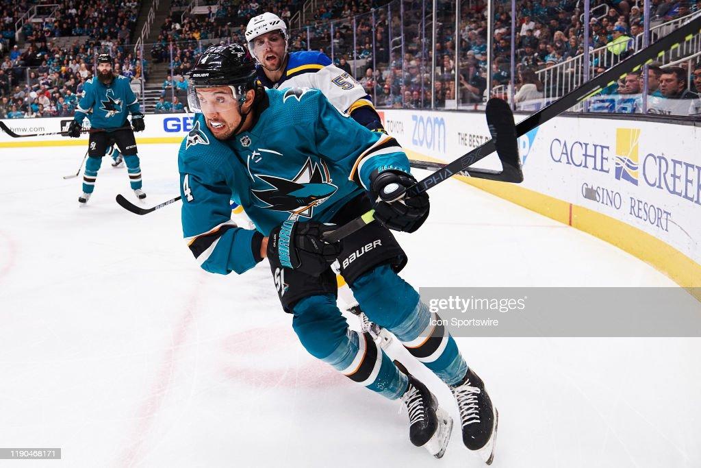 NHL: DEC 21 Blues at Sharks : News Photo