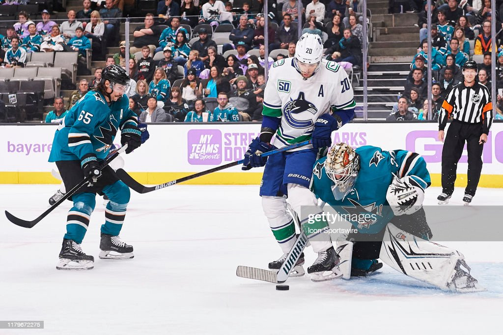 NHL: NOV 02 Canucks at Sharks : News Photo