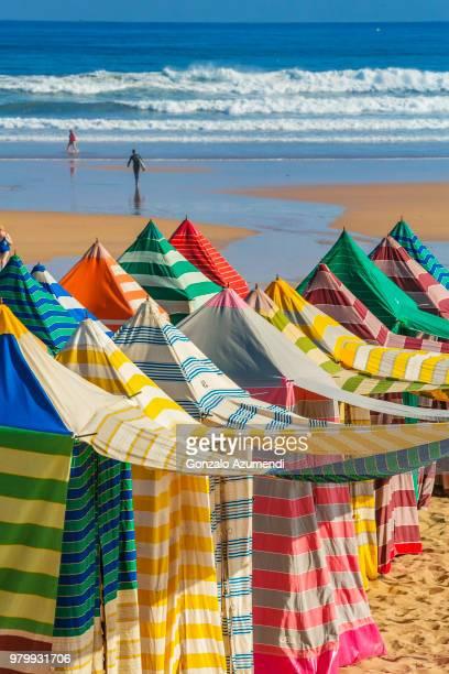 san lorenzo beach in gijon - gijon fotografías e imágenes de stock