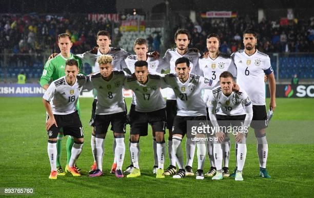 FUSSBALL INTERNATIONAL San Marino Deutschland Mannschaftsbild Deutschland Torwart MarcAndre ter Stegen Mario Gomez Thomas Mueller Mats Hummels Jonas...