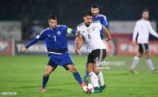 FUSSBALL INTERNATIONAL San Marino Deutschland Sami Khedira gegen Matteo Vitaioli