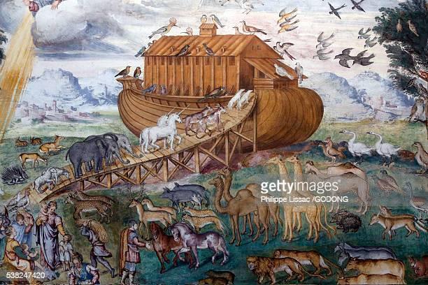 san maurizio al monastero maggiore's church, milan. fresco depicting noah's ark. aurelio luini, 16th century. - ark stock pictures, royalty-free photos & images