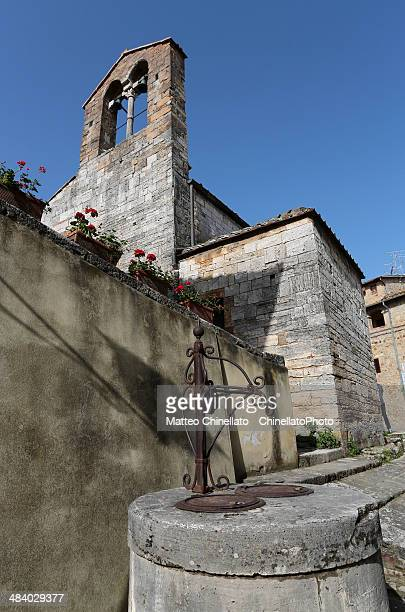 san quirico d'orcia, italy - san quirico d'orcia stock pictures, royalty-free photos & images
