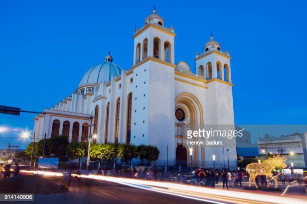 San Salvador Cathedral at night