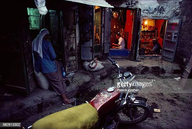 Sanaa Merchants Busy Working