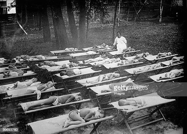 Sanatorium for children suffering from tuberculosis. Photograph. Around 1925. (Photo by Austrian Archives