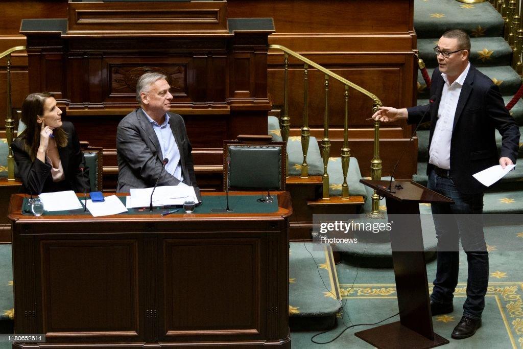 Plenary session federal Parliament / 07.11 : News Photo