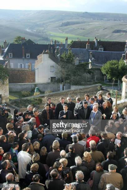 French right-wing presidential candidate Nicolas Sarkozy delivers a speech during a visit of a wine warehouse 26 February 2007 in Sancerre, as part...