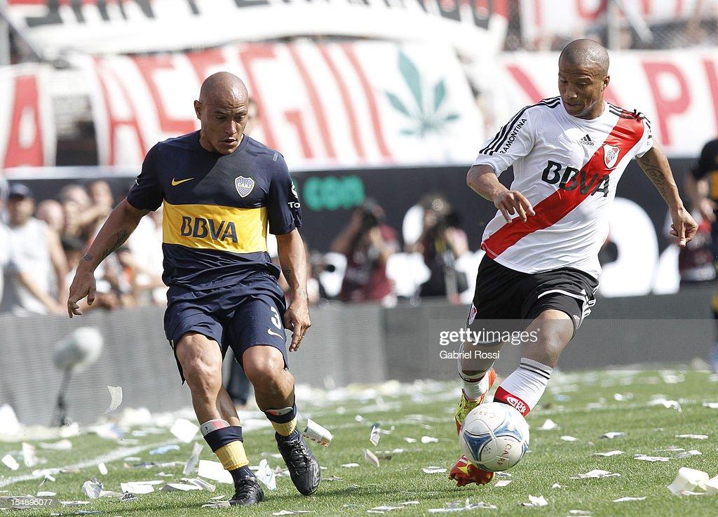 River Plate v Boca Juniors - Torneo Inicial 2012
