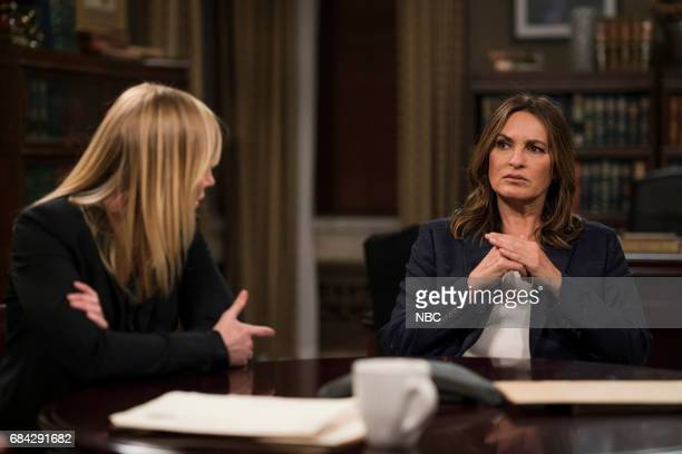 UNIT 'Sanctuary' Episode 1822 Pictured Kelli Giddish as Detective Amanda Rollins Mariska Hargitay as Lieutenant Olivia Benson