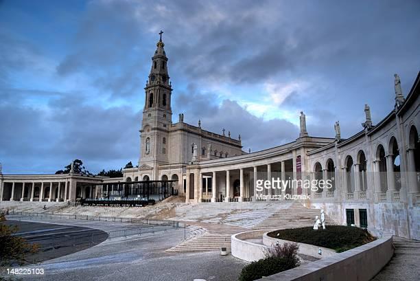 sanctuary of our lady of fatima - fatima portugal imagens e fotografias de stock