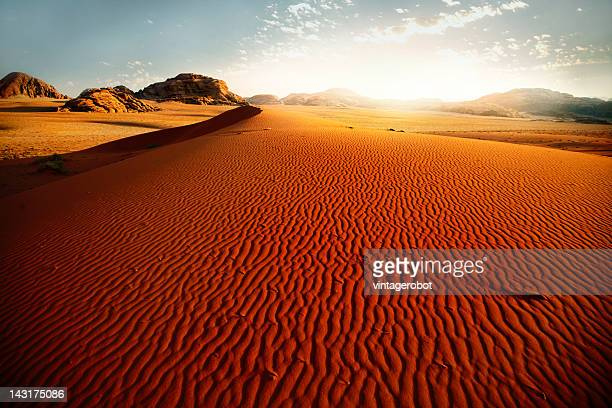 sand dune at sunrise - jordan middle east stock pictures, royalty-free photos & images