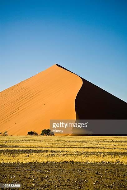 砂丘アフリカの - セスリエム ストックフォトと画像