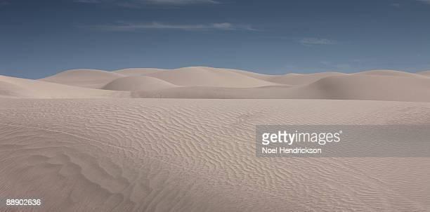 sand dunes - linha do horizonte sobre terra - fotografias e filmes do acervo