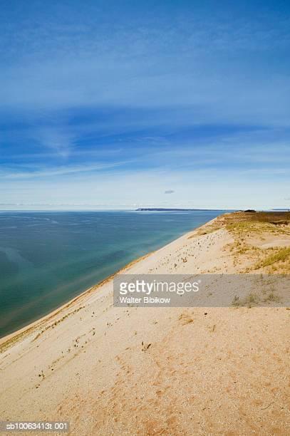 sand dunes, sleeping bear dunes national lakeshore, lake michigan, leelanau county, michigan, usa - leelanau county  michigan stock pictures, royalty-free photos & images