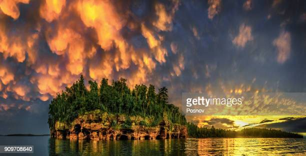 sand island - lake superior stock pictures, royalty-free photos & images