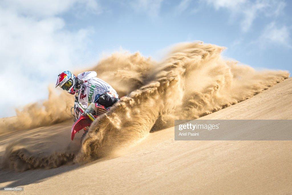 Sand Storm! : Stock Photo