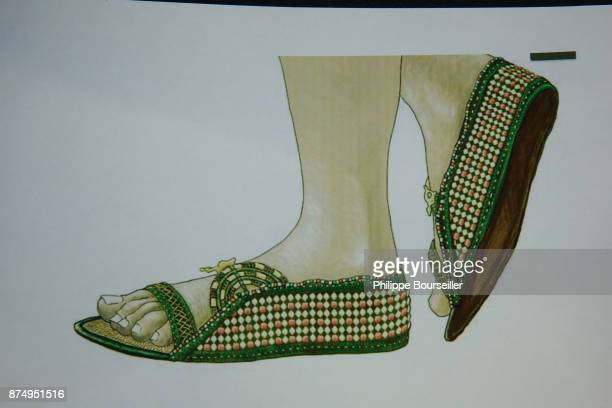 Sandals in leather gold and earthenware from the tomb of Touthenkamon They are currently in the conservation and restoration laboratory of the GEM in...