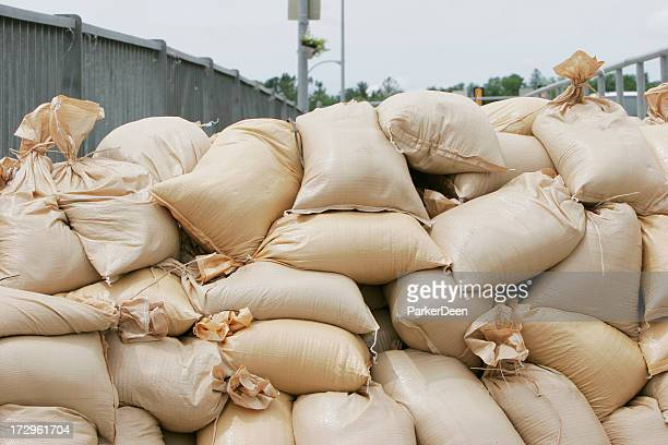 sandbags-  midwest flooding 2008 - sandbag stock pictures, royalty-free photos & images