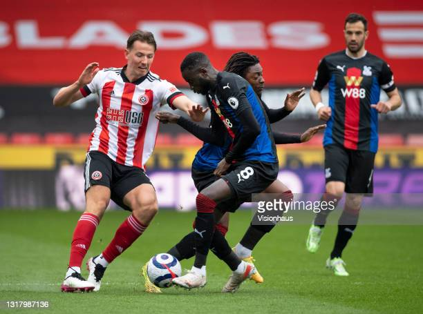 Sander Berge of Sheffield United in action with Eberechi Eze, Luka Milivojevic and Cheikhou Kouyaté of Crystal Palace during the Premier League match...