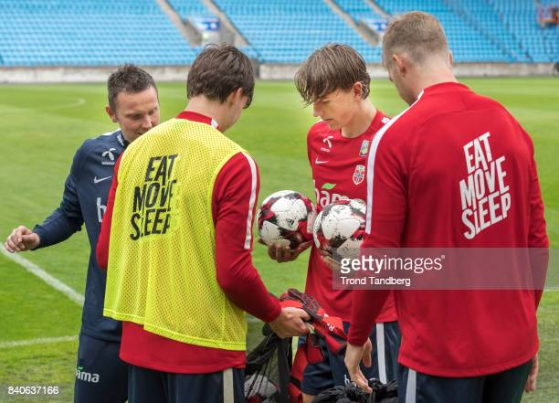 Sander Berge Ole Kristian Selnaes Alexander Soerloth of Norway during the FIFA 2018 World Cup Qualifier training between Norway and Aserbajdsjan at...