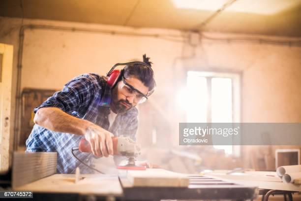 Sander in action