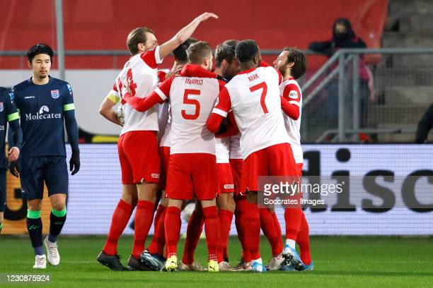 Sander van der Streek of FC Utrecht celebrates 1-0 with Hidde ter Avest of FC Utrecht, Gyrano Kerk of FC Utrecht, Willem Janssen of FC Utrecht during...