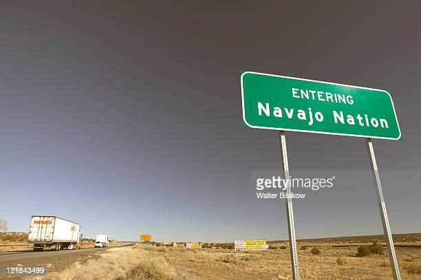 az, sanders, entering navajo nation sign - ナバホ文化 ストックフォトと画像