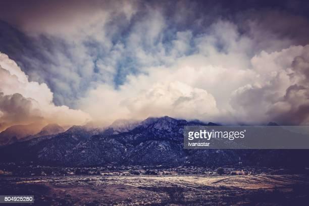 sandia mountains at sunset - sandia mountains stock pictures, royalty-free photos & images